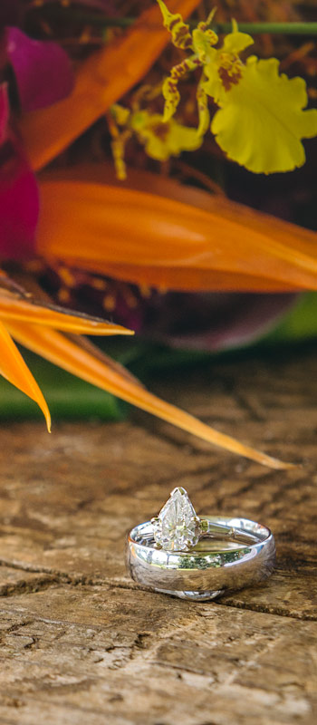 kauai wedding photographers ring bouquet